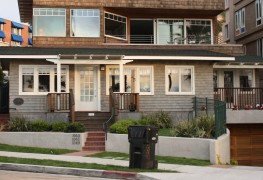 A guide for choosing between a duplex and a triplex
