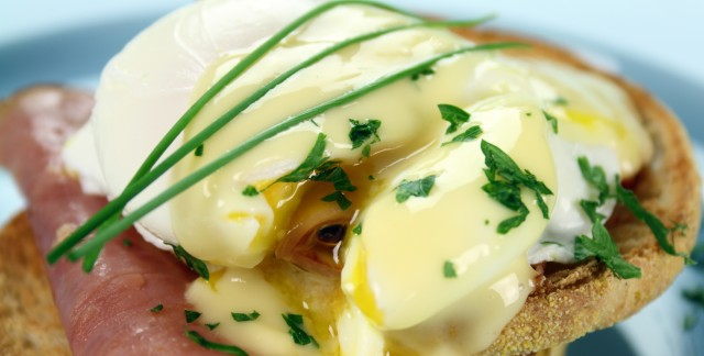 Breakfast recipe: easy eggs benedict