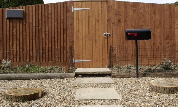6 tips for designing fences and paving