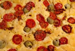 Italian bread recipe: homemade focaccia