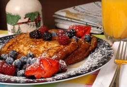 2 homemade French toast recipes to start the day on a sweet note