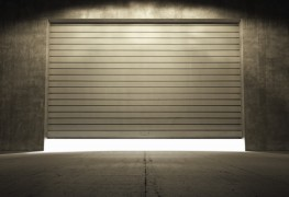4 tips for repairing loud garage doors