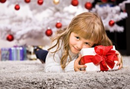 3 tips to child proof your Christmas decorations