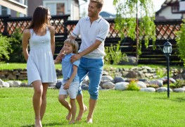 10 ways to maintain a beautiful lawn