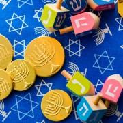 3 easy ideas for DIY Hanukkah decorations