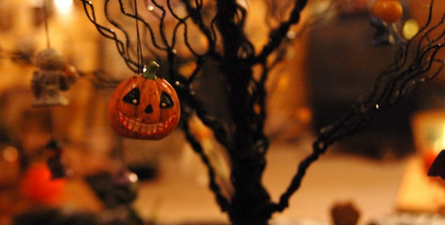 4 ways to turn your home into a Halloween haunted house