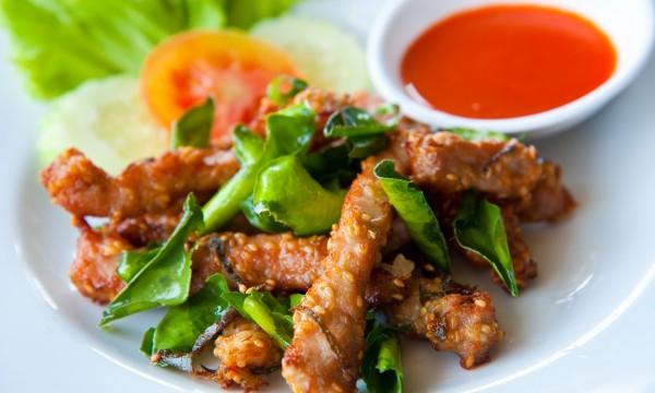 How to eat healthier at cuisine restaurants