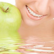 Food that improves tooth and mouth conditions