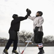 4 tips for staying warm playing winter sports