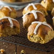 Homemade hot cross bun recipe