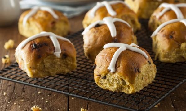 Homemade hot cross bun recipe
