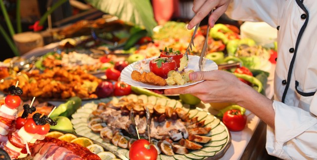 The secret to finding the best hotel buffets in Canada