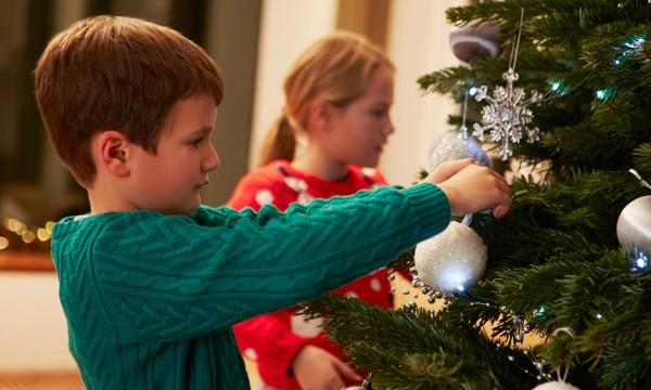 hints to keep your christmas tree fresh longer - How To Keep Christmas Tree Fresh