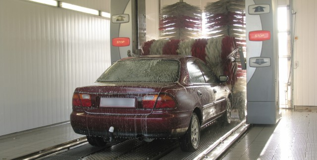 How do car wash rollers work?
