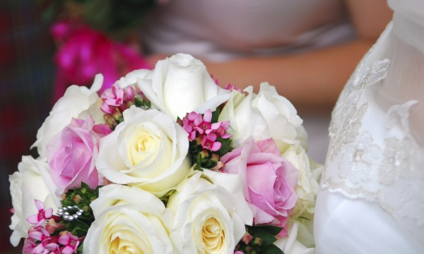 Artificial flowers on your wedding day Smart Tips
