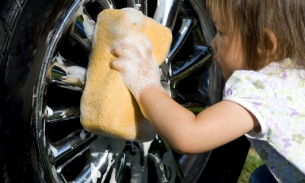 17 steps to wash your car by hand