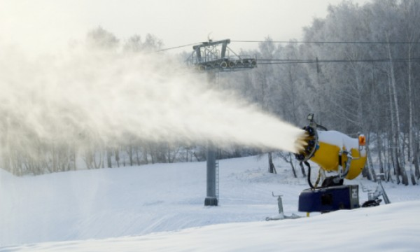The snow-down on artificial snow