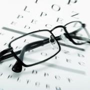 Recognizing the symptoms of presbyopia