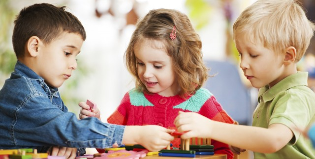 8 tips on teaching your toddler to share