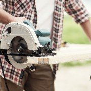 What you need to know when choosing a circular saw