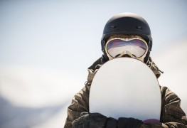 Snowboard helmet buyer's guide: what to keep in mind this winter