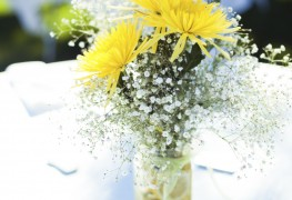 DIY centrepiece floral arrangements for your wedding