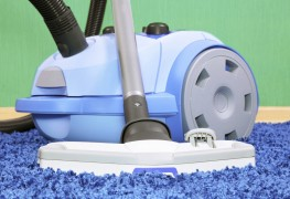 Finding the best vacuum for your large home