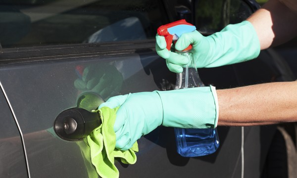 Go green by choosing the waterless car wash