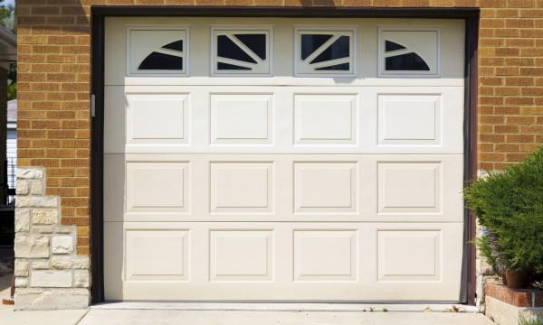 4 common garage doors for your garage door opening