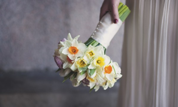 6 steps for creating a beautiful daffodil bouquet