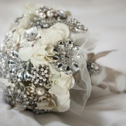 Make a brooch bouquet in 5 simple steps