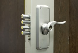 What commercial locksmith services do for businesses