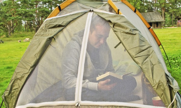 What every camper must know: 4 tips to keep your tent bug-free