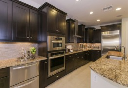 4 good reasons to consider a wall oven in your kitchen