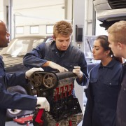 3 ways to get ahead in an auto repair course