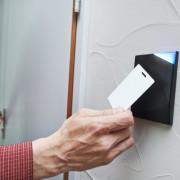 How do card locks work?