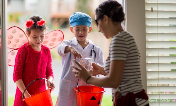 5 easy ways to help keep kids safe on Halloween