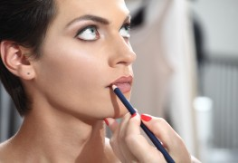 A few tips on using lip liners
