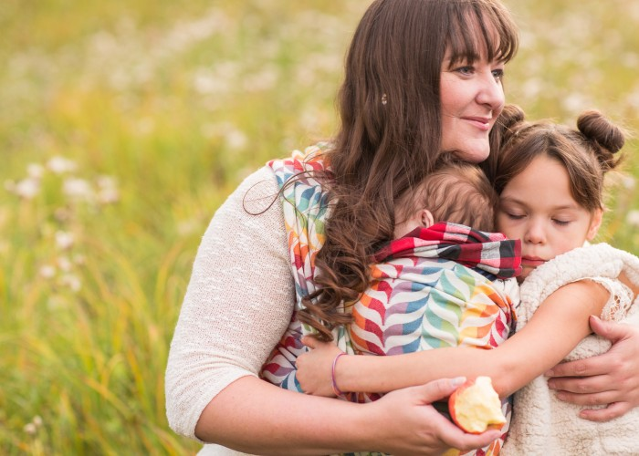 Appletree Photography offers birth photography for families