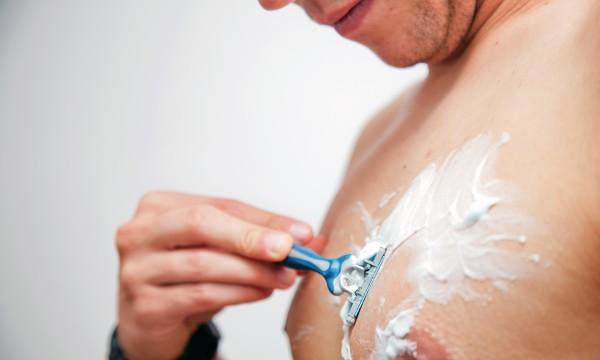 Чем пользоваться после бритья интимных мест девушке