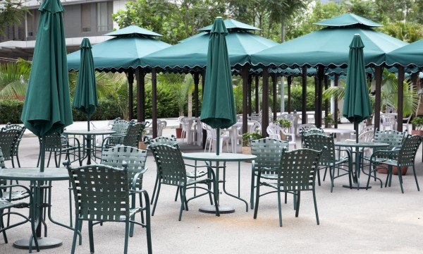 Make your outdoor metal furniture last