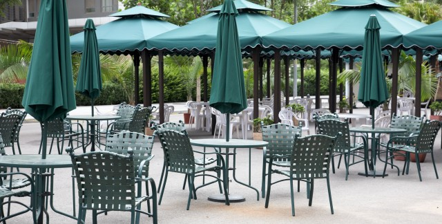 Make your outdoor metal furniture last