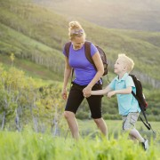 4 outdoor gift ideas for adventure-loving moms
