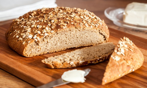 Nutty and crunchy homemade oatmeal bread