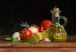 The best practices for preserving foods in oil