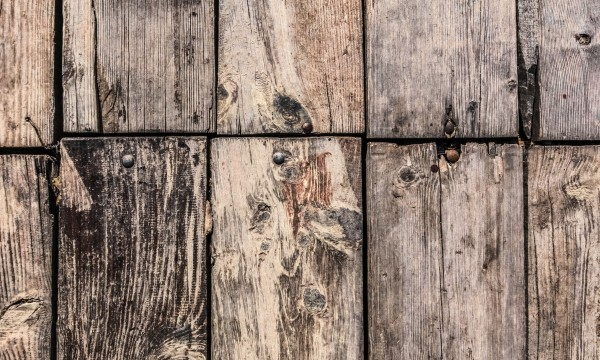 5 Easy to follow steps to replace floorboards