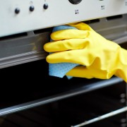 Easy guide to keeping a clean oven