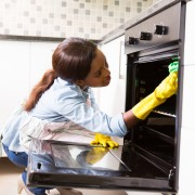 How to safely use cleaning products
