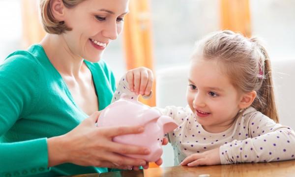 Filling the piggy bank: money saving tips for kids