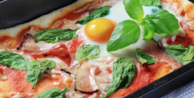 4 outrageous pizza topping ideas (that are surprisingly delicious!)
